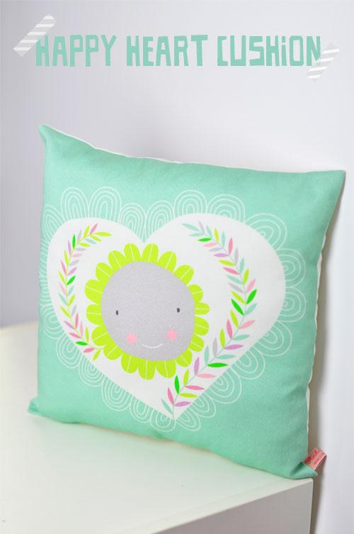 happy-heart-pillow-by-PinkNounou-1A