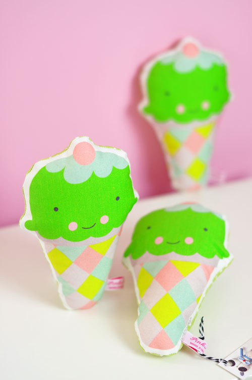 new-baby-rattle-ice-cream-by-PinkNounou-2