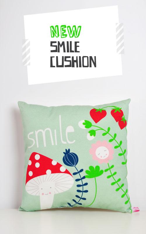 new-cushion-smile-by-PinkNounou-1