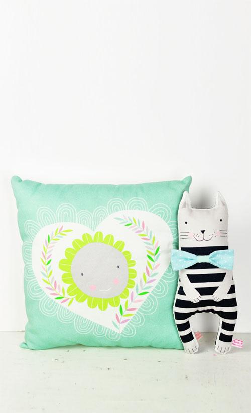 kitten doll and heart pillow by PinkNounou