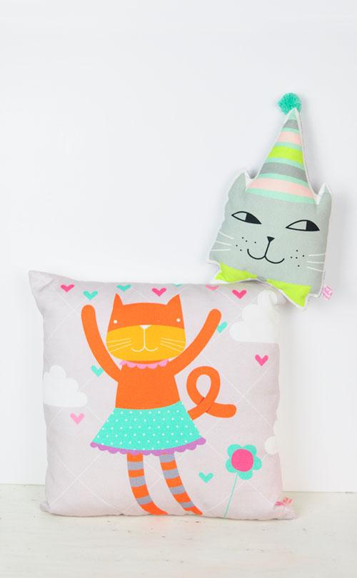 cat pillows by PinkNounou