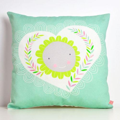 square-pillow-heart&flower-by-PinkNounou-1A