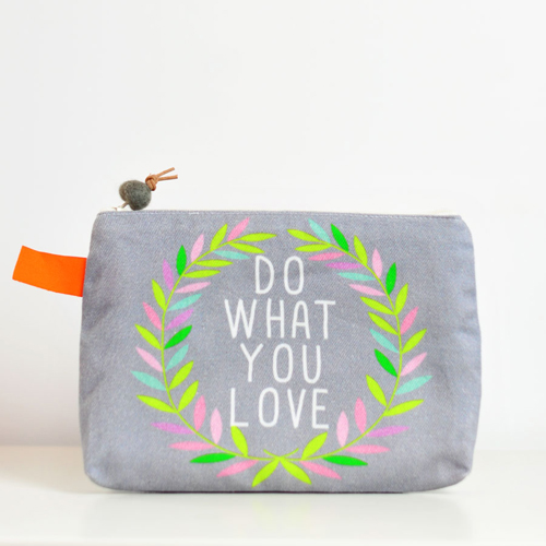 zipper-pouch-DoWhatLove-by-PinkNounou-1A