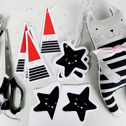 soft toy cat and paper star tags by PinkNounou
